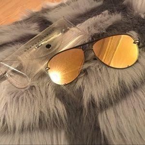 Quay Australia High Key Green/Gold Sunglasses Used